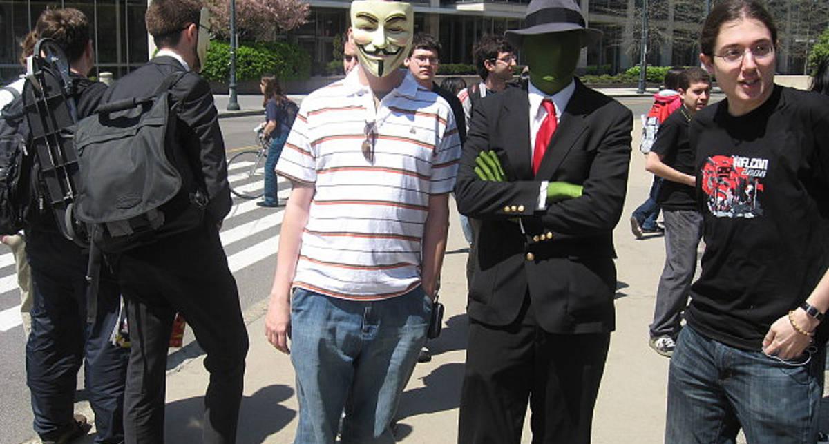 Хакеры из Anonymous пообещали уничтожить Facebook
