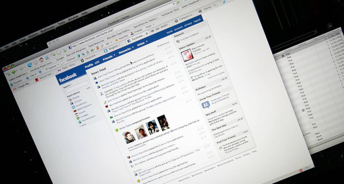 Facebook запустила мобильную программу для обмена сообщениями