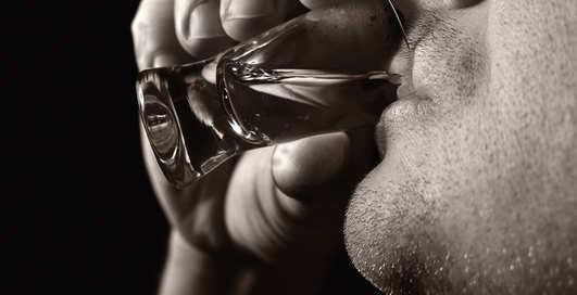 9 нетрадиционных способов применения водки