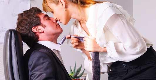 Секс и смех: как быстро отдохнуть на работе