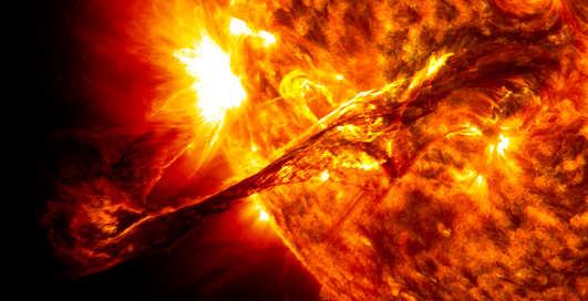 Мифы о космосе: температура метеоритов и цвет Солнца