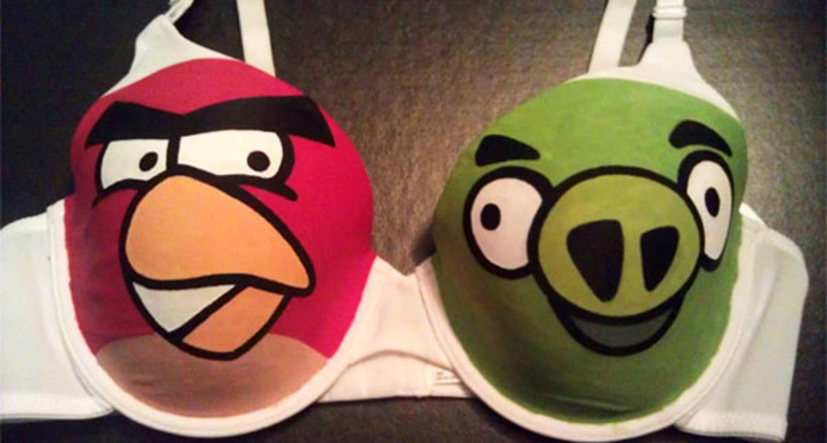 Angry Birds перебрались на бюстгальтеры