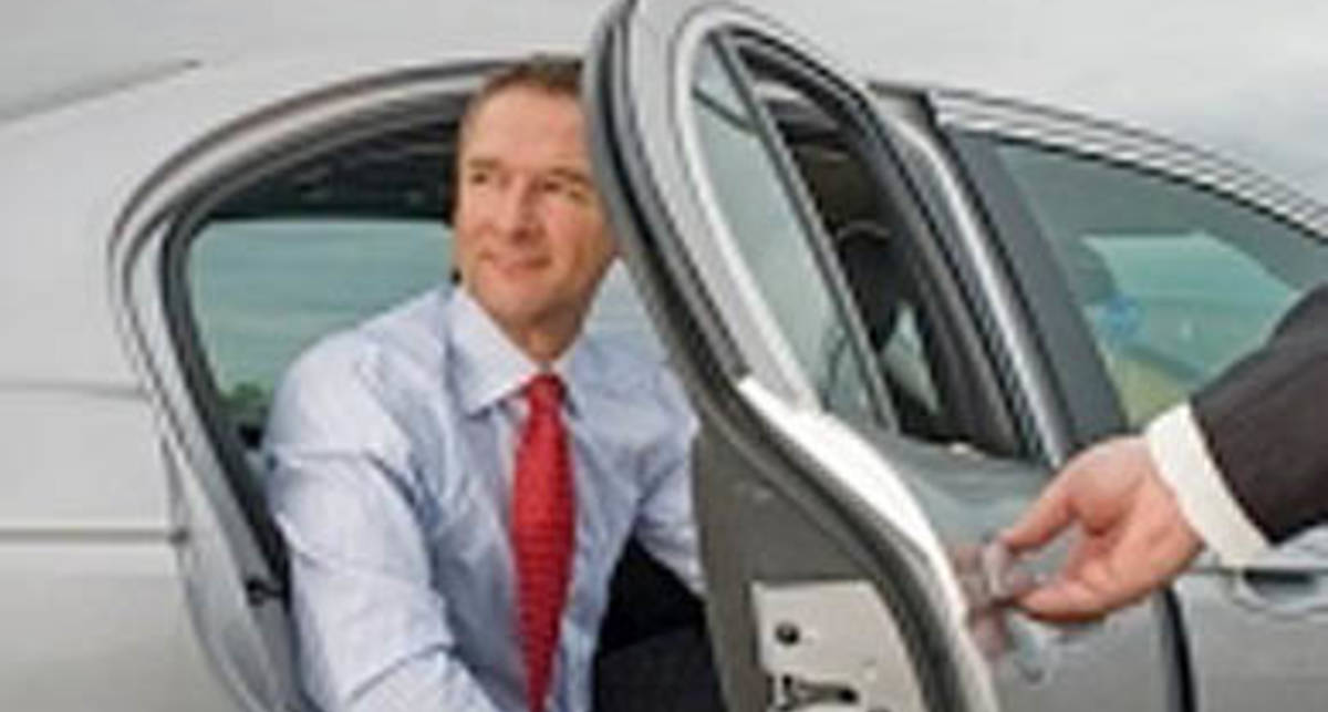 VIP-авто напрокат: сколько стоит шик?