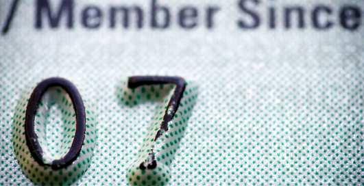 Где выгоднее открыть карточный счет?