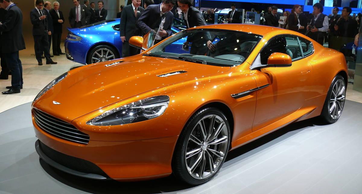В Женеве Aston Martin на скорости влетел в поворот (фото)