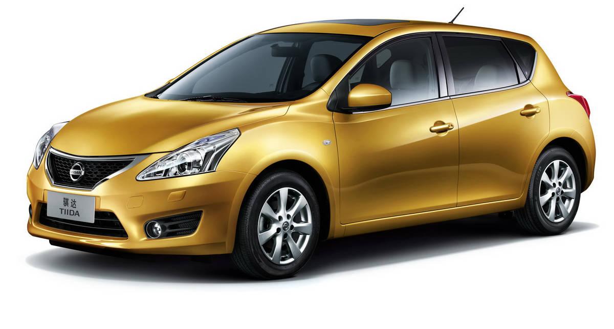 Nissan Tiida показала новое лицо (фото)
