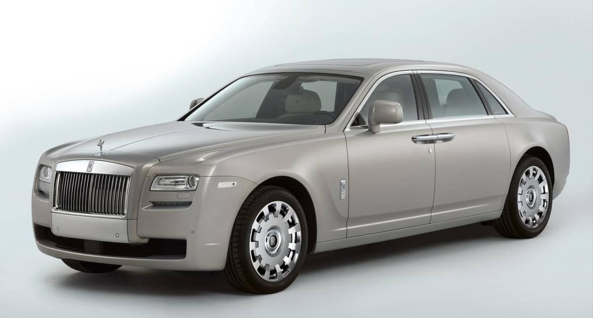 Специально для Китая Rolls-Royce удлинил самую популярную модель