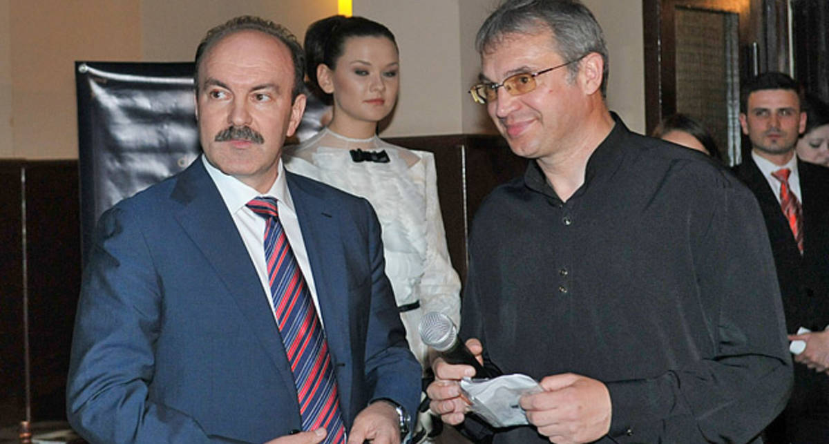 Главный гаишник Львова выложил за брелок с