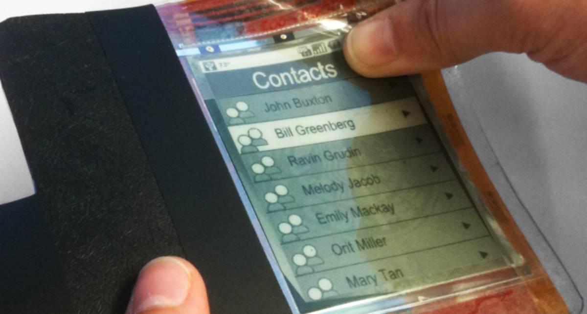 Канадцы создали бумажный смартфон (видео)