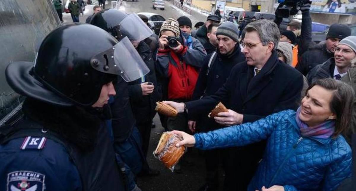Еда для митингующих: чем закусить военные действия