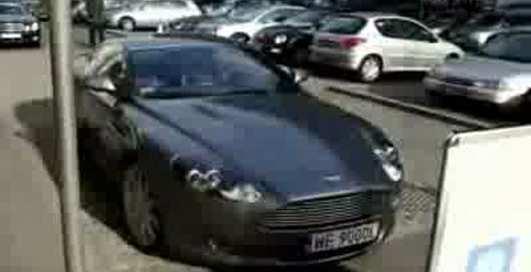 Aston Martin DB9 - варшавский ролик)