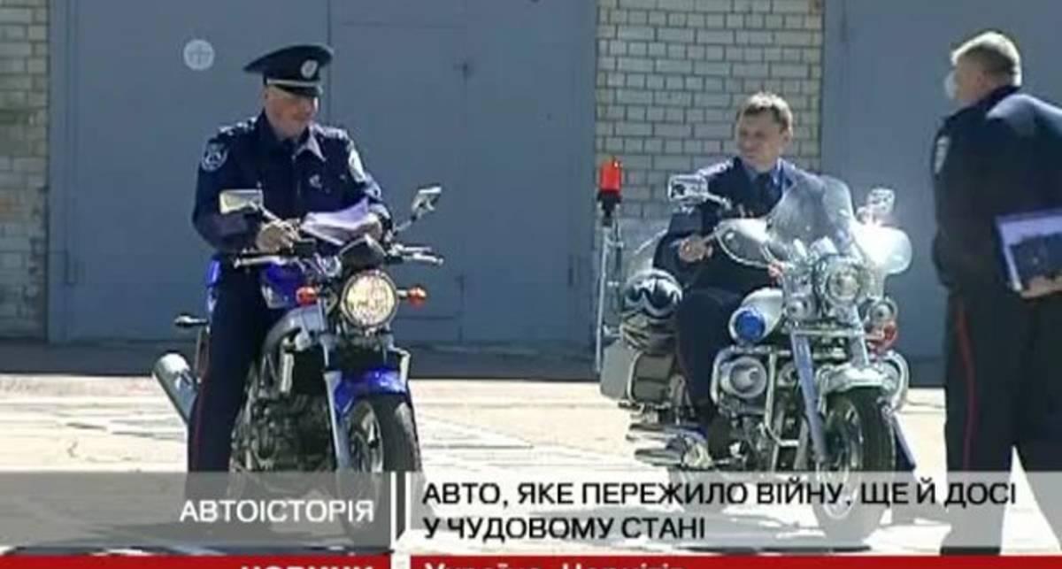 Чернігівські даівці покатали школярів на ретроавтомобілях