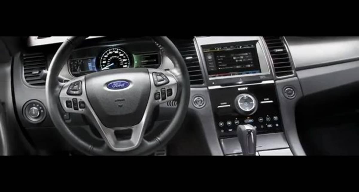 2013 Ford Taurus Technology