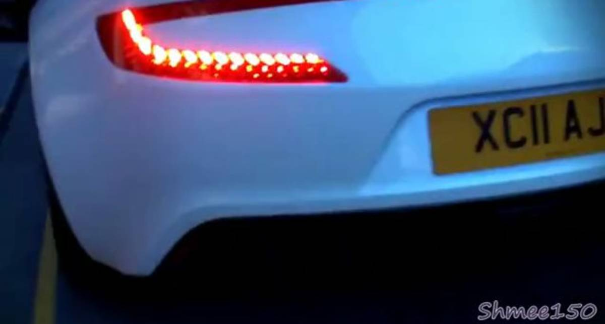 Aston Martin One-77 показался на улицах Лондона