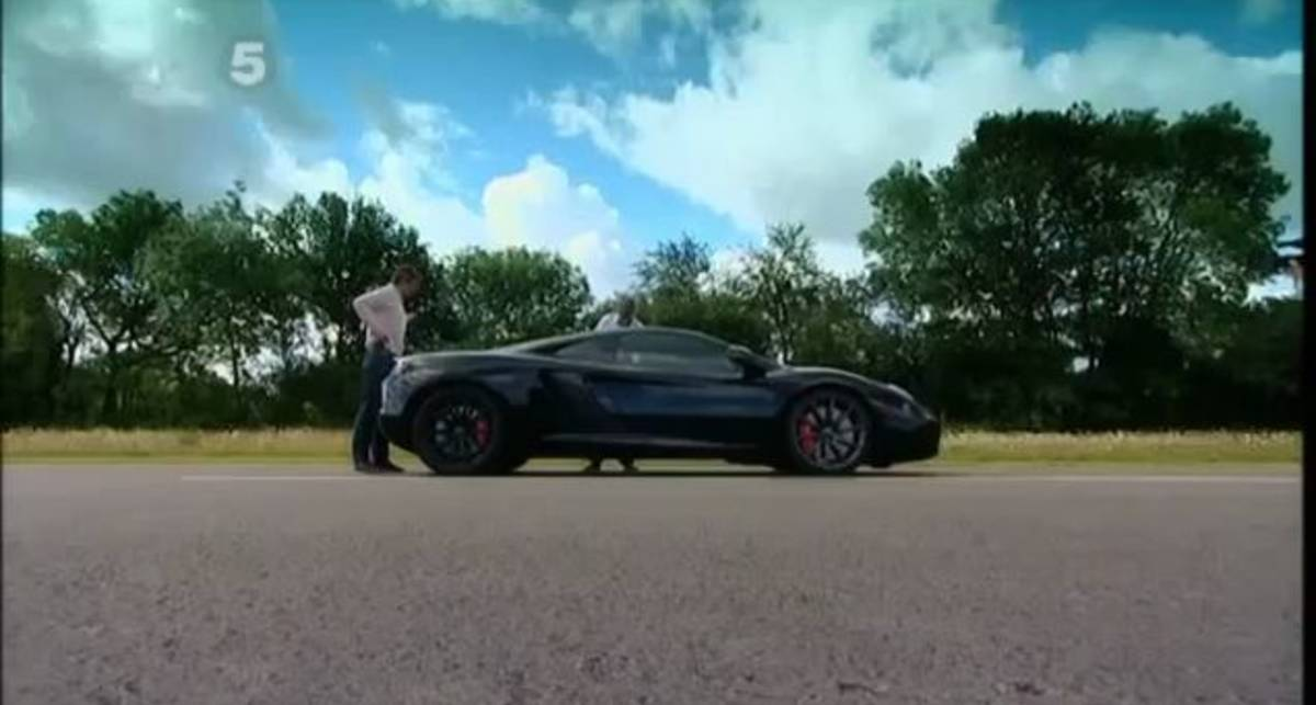 Fifth Gear Pits McLaren MP4-12C against Ferrari 458 Italia