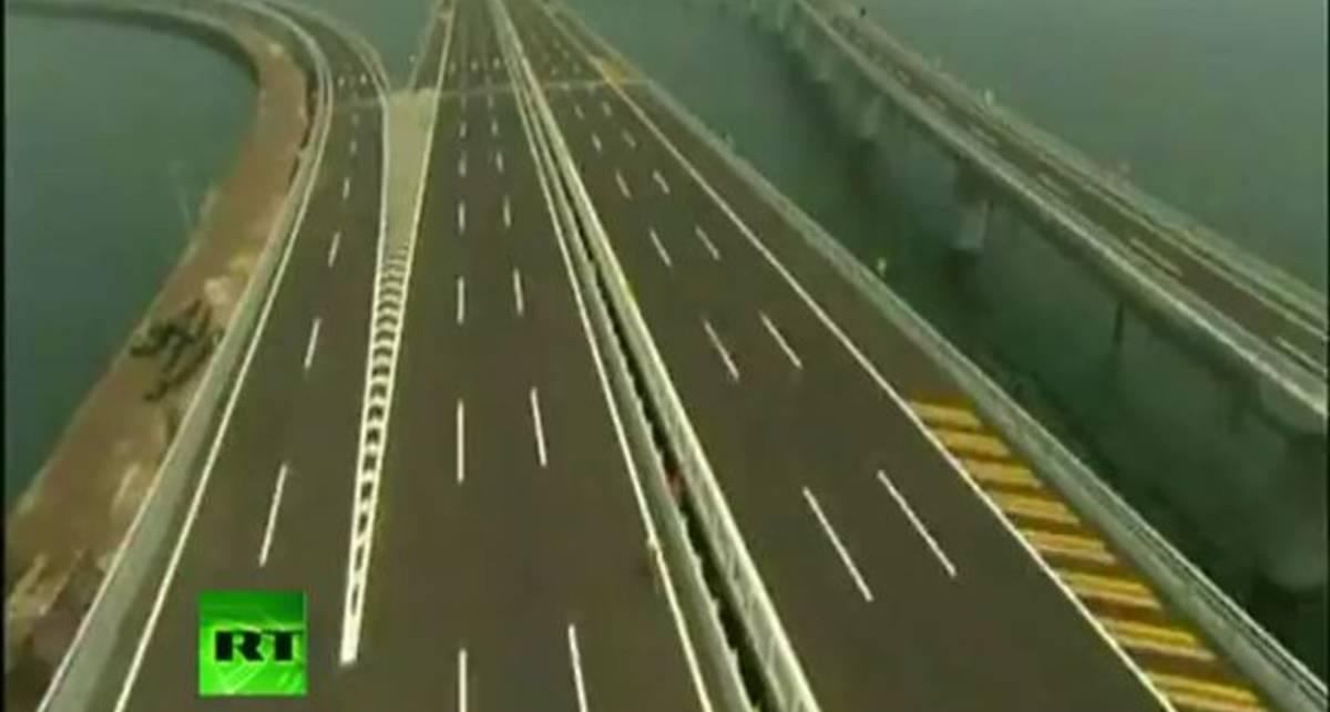 Очень длинный мост через океан в Китае
