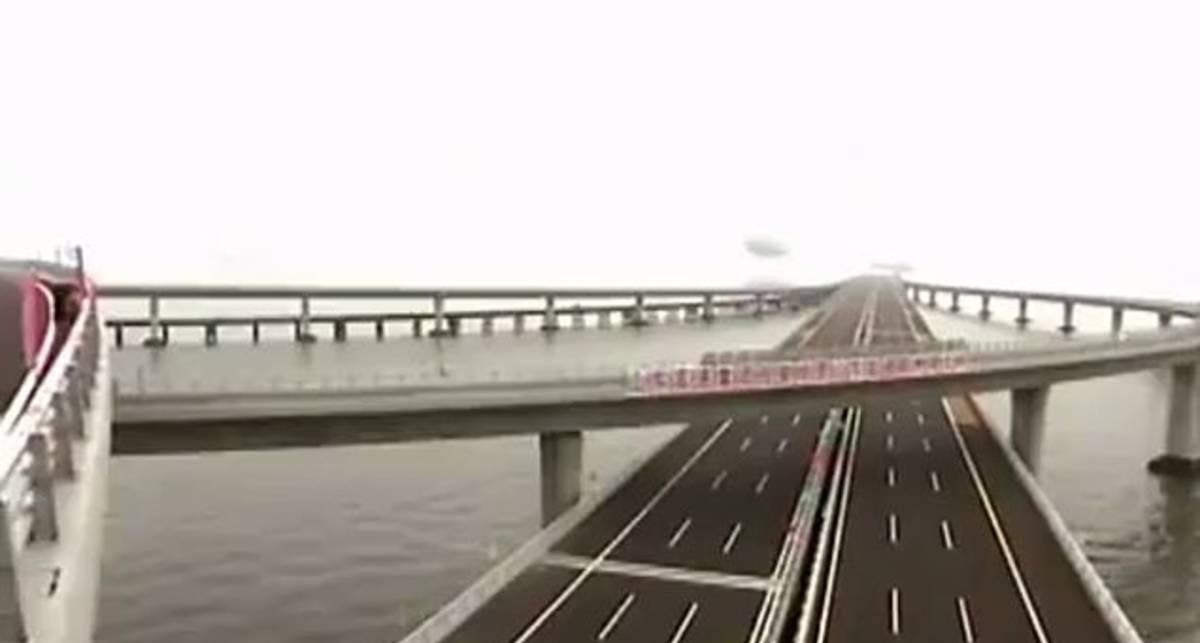 Очень длинный мост через океан в Китае 2