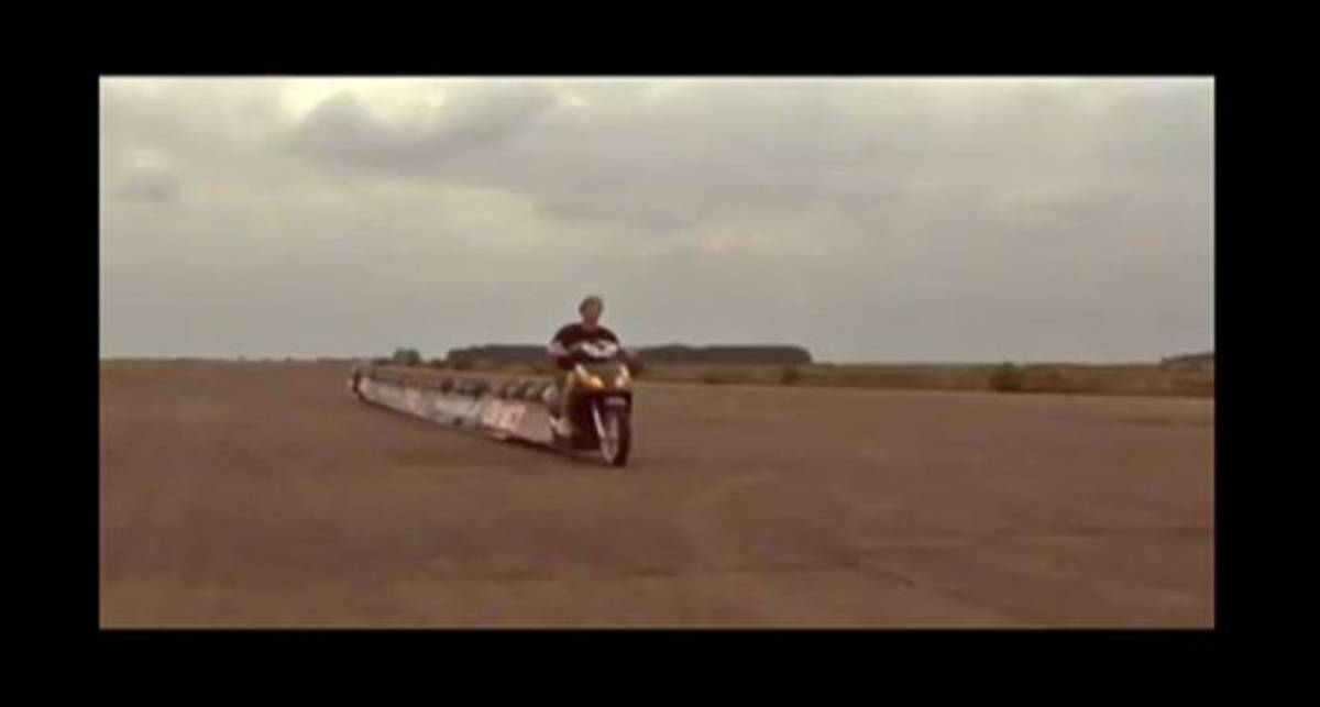 Британец создает 25-местный мотоцикл
