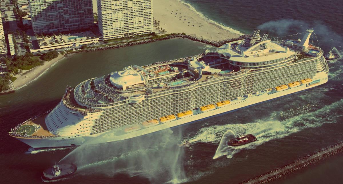 Элегантный верзила: круизный лайнер Allure of the Seas