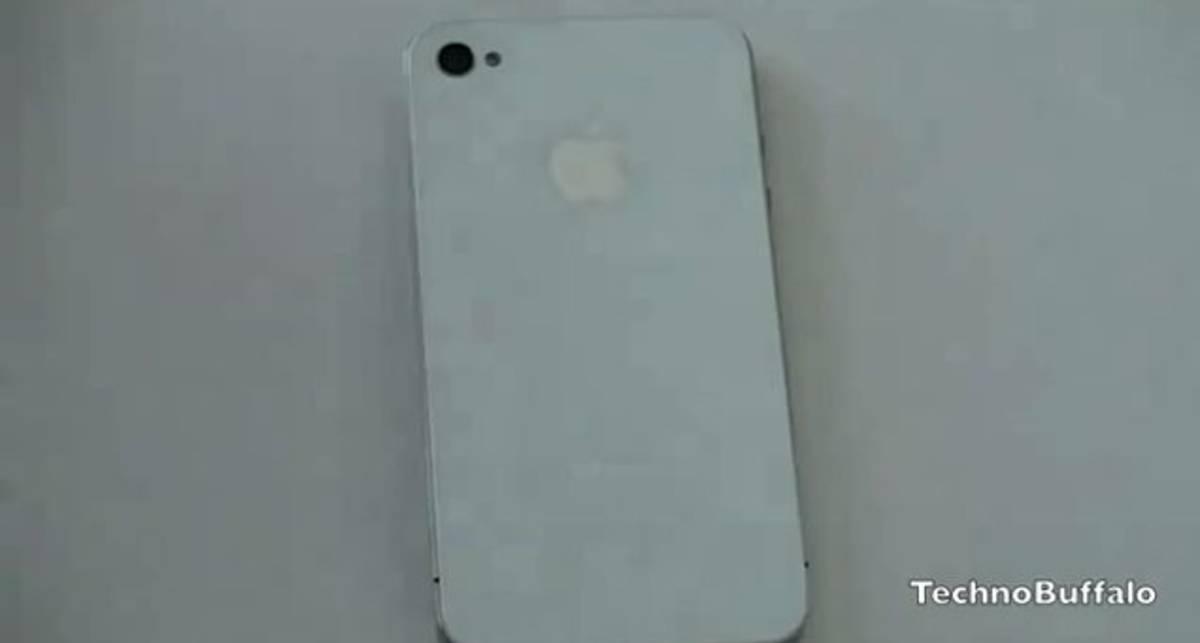 Распаковка белого iPhone 4
