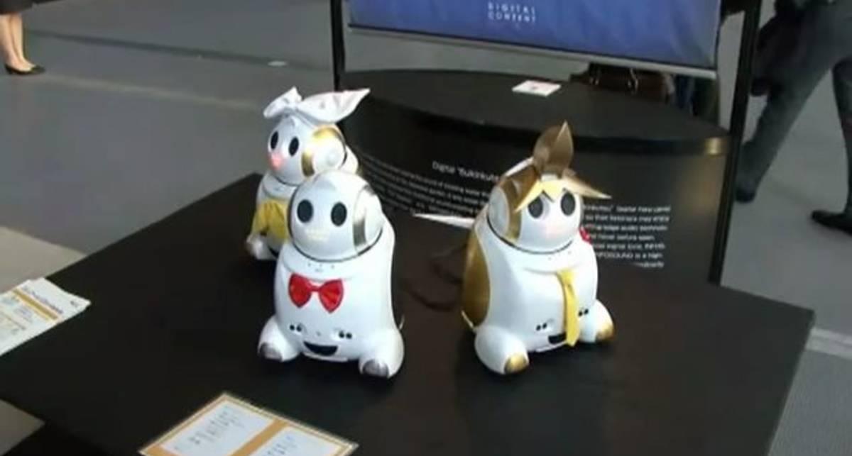 В Японии представили модель мини-робота, который поет песни по заказу