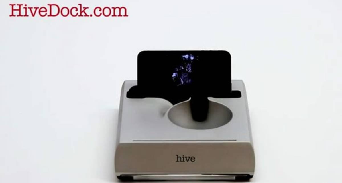 Поворотная акустическая док-станция Hive для iPhone 4