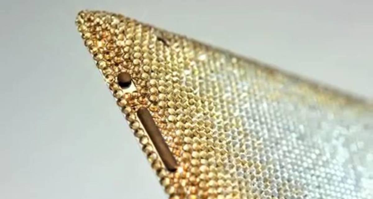 iPad 2 украсили золотом и кристаллами Swarovski