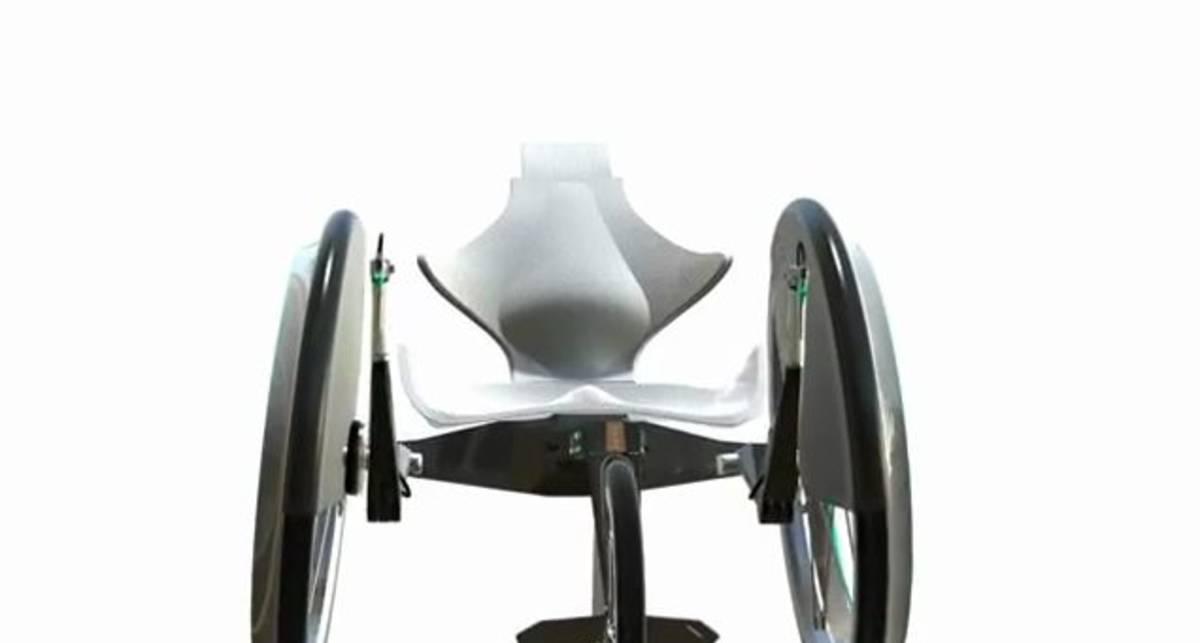Спортивная инвалидная коляска