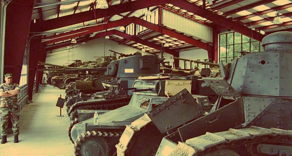 В США пустят с молотка сотню настоящих танков