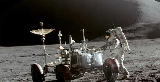 Камеру, побывавшую на Луне, продали за $910 тыс.