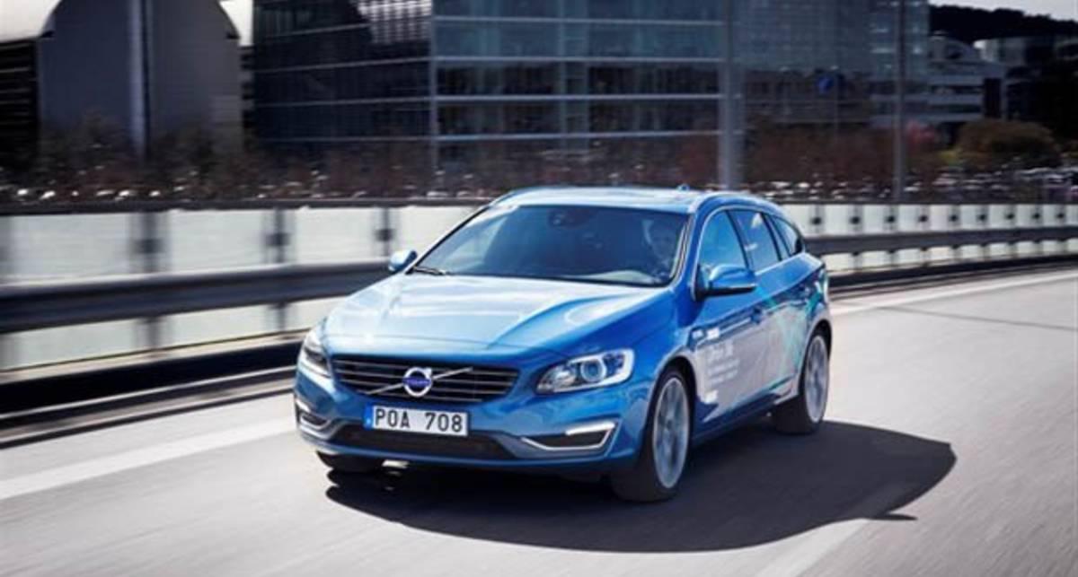 На дорогах Швеции появились Volvo с автопилотом