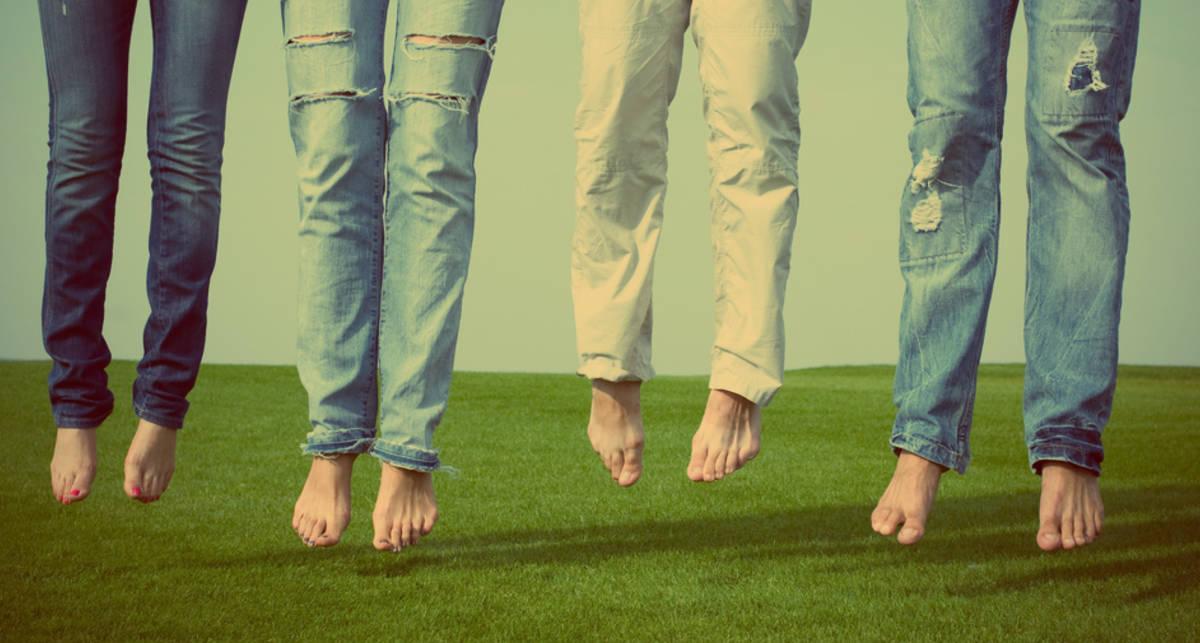 Как правильно носить джинсы: 5 мужских советов