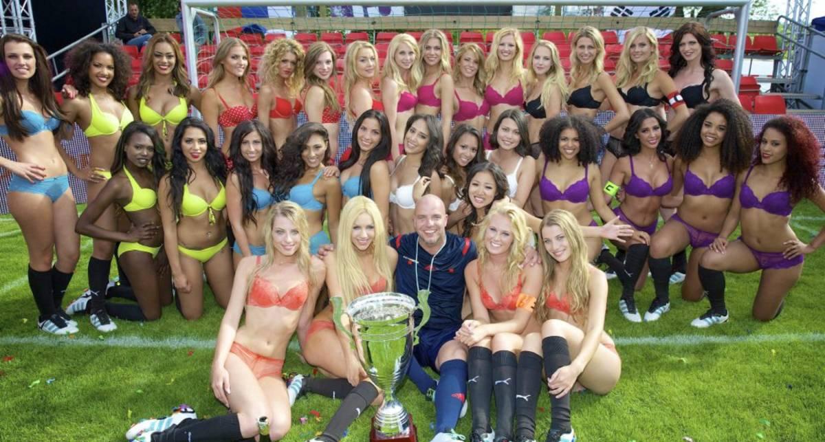 Футбол в нижнем белье: голландки стали чемпионами