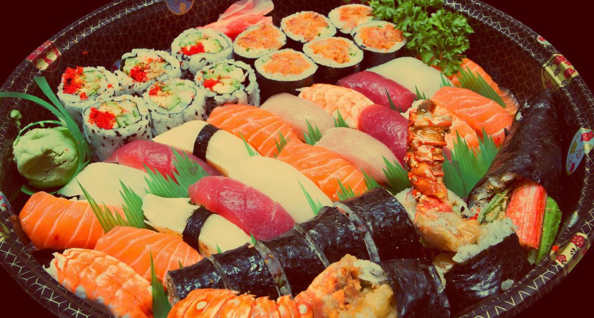 Суши и роллы: ТОП-5 самых полезных