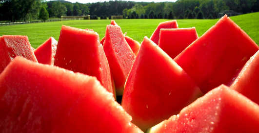 Еда для лентяев: три летних блюда из арбуза