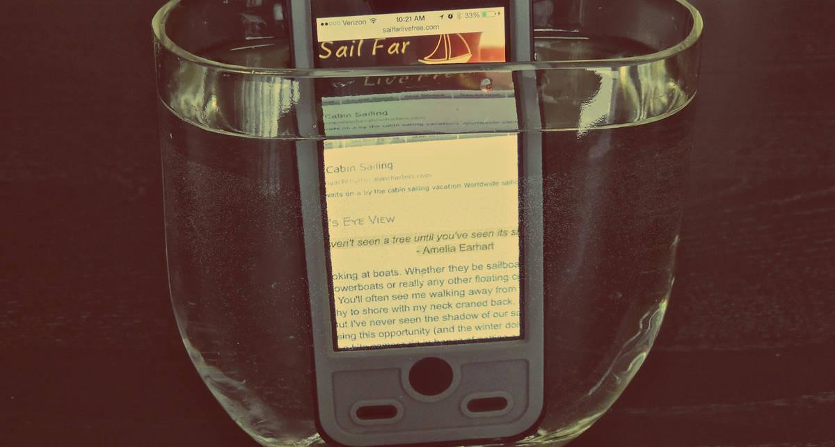 Плавающий iPhone и еще 8 странных гаджетов осени