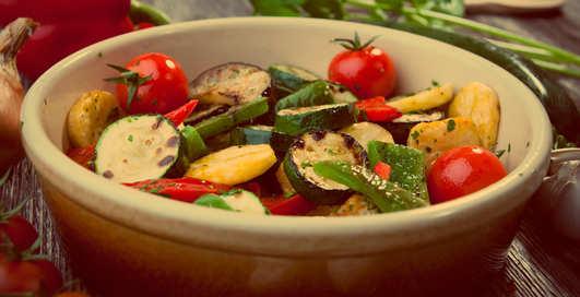 Овощи в духовке: как по-мужски их приготовить