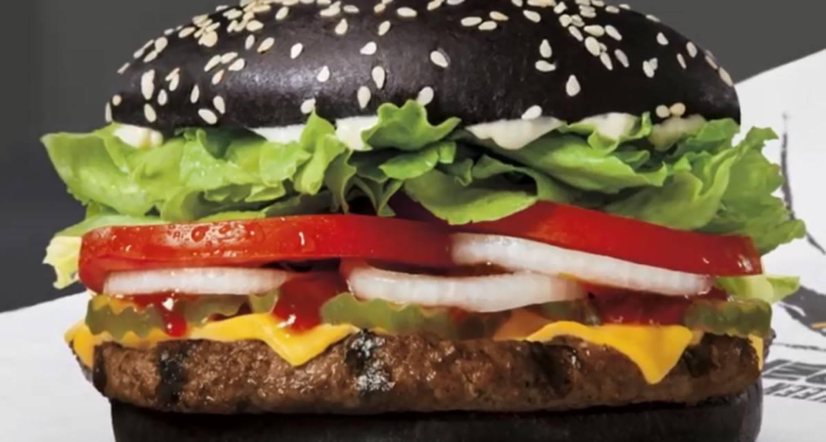 Бургер дьявола: самый черный бутерброд в мире