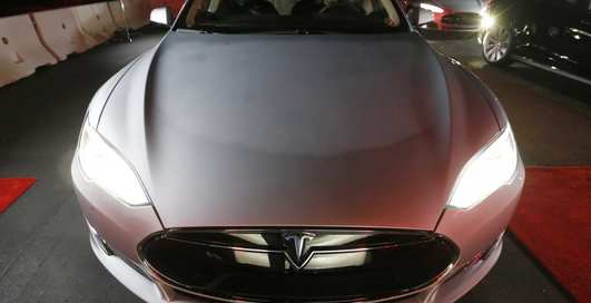 Tesla Model S P85D: самый шустрый электрокар в мире