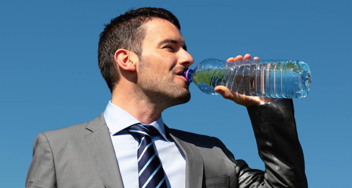 В сутки 2 литра: нужно ли пить столько воды
