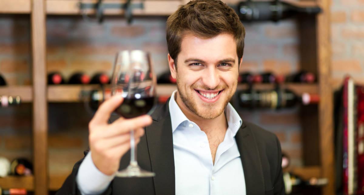 Как открыть вино без штопора: 5 мужских советов