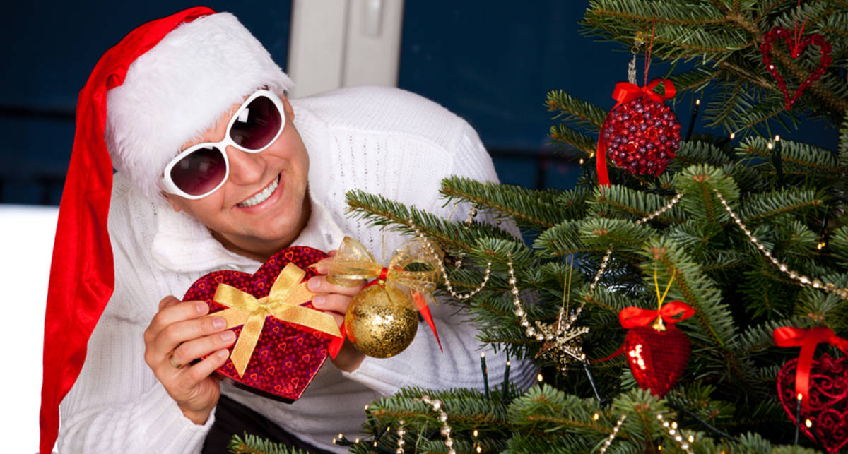 До $200: ТОП-10 мужских новогодних подарков