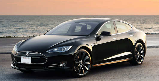 Tesla Model S P85D vs Tesla Model S: кто круче?