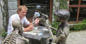 Пятничный позитив: 38 смешных фото со статуями