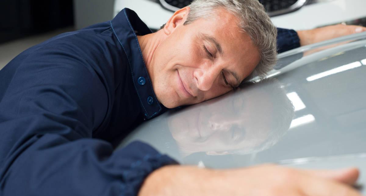 Почему мужчинам нравится запах новой машины