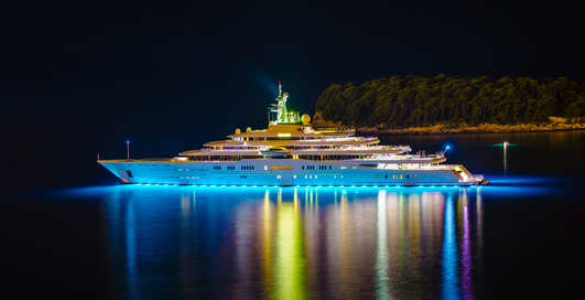 Яхты олигархов: ТОП-10 самых роскошных и дорогих