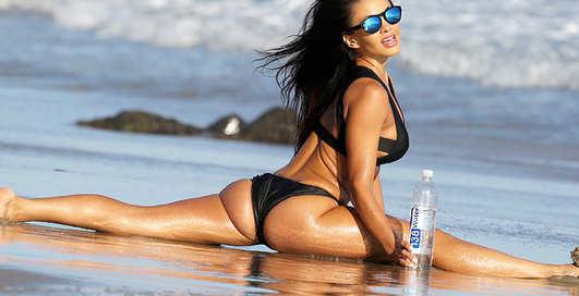 Интимная растяжка: The Nike Girl снялась для 138 Water