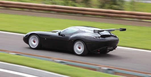 Раритет на колесах: 10 коллекционных авто Италии