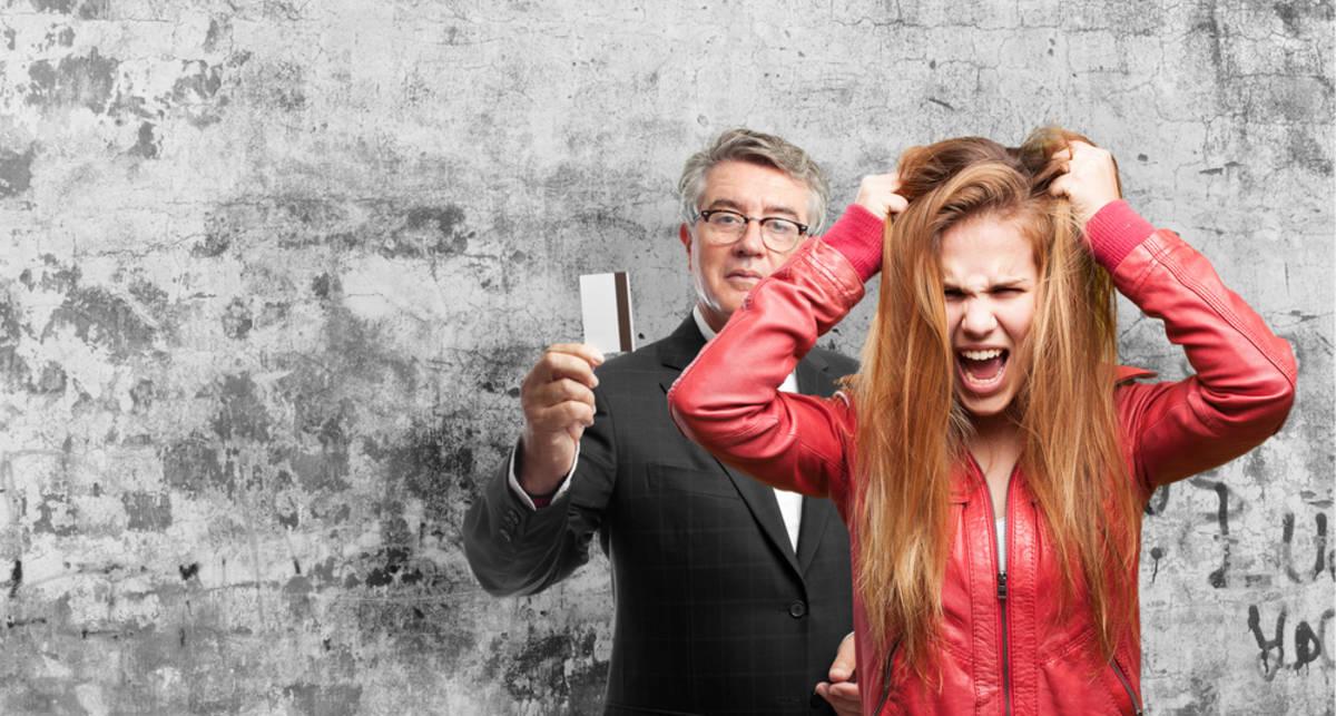 Женщина плачет: что делать мужчине