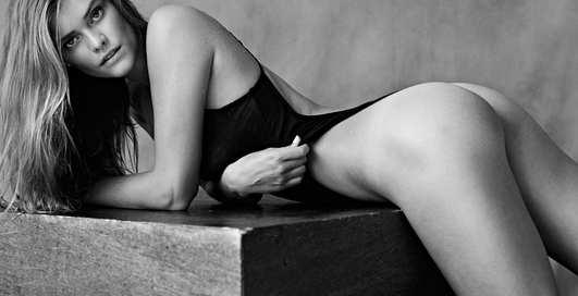 Догги-стайл от Нины Агдал: датская модель снялась для фешн-фотографа